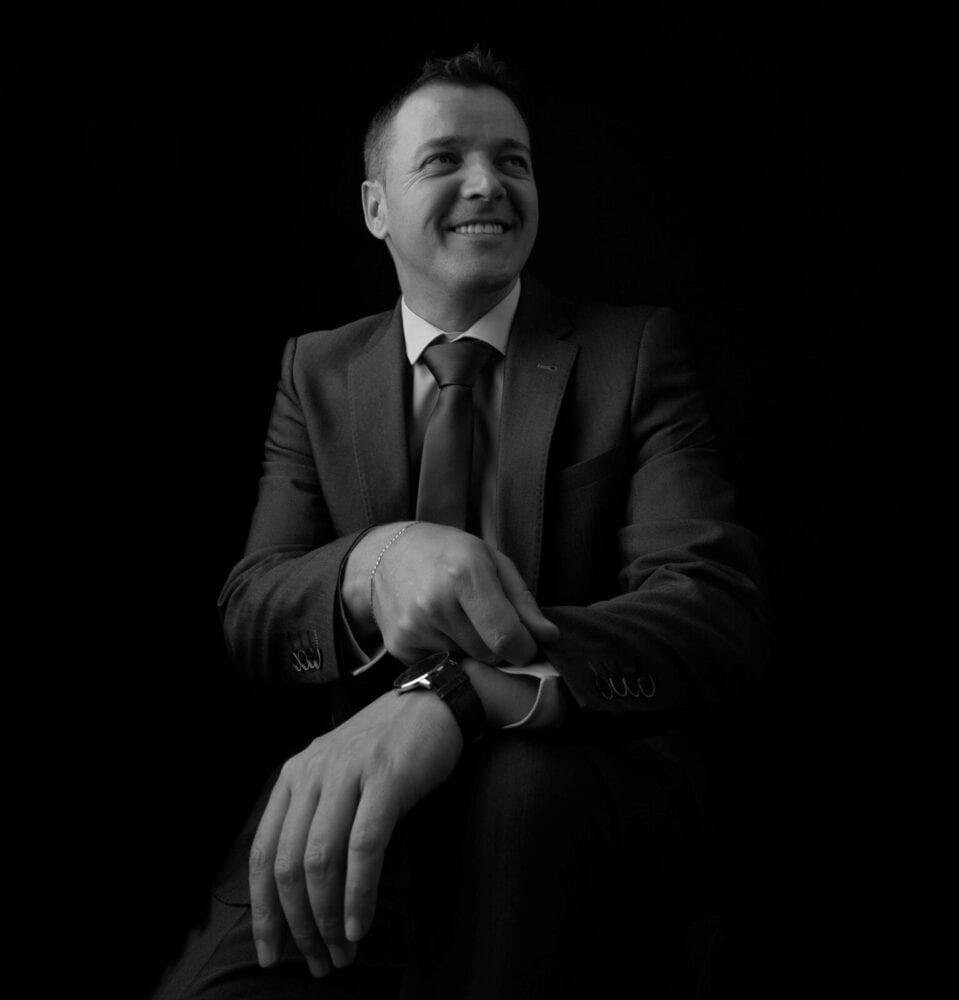 sedinta-foto-bucuresti-fotografii-portret-poze-corporate