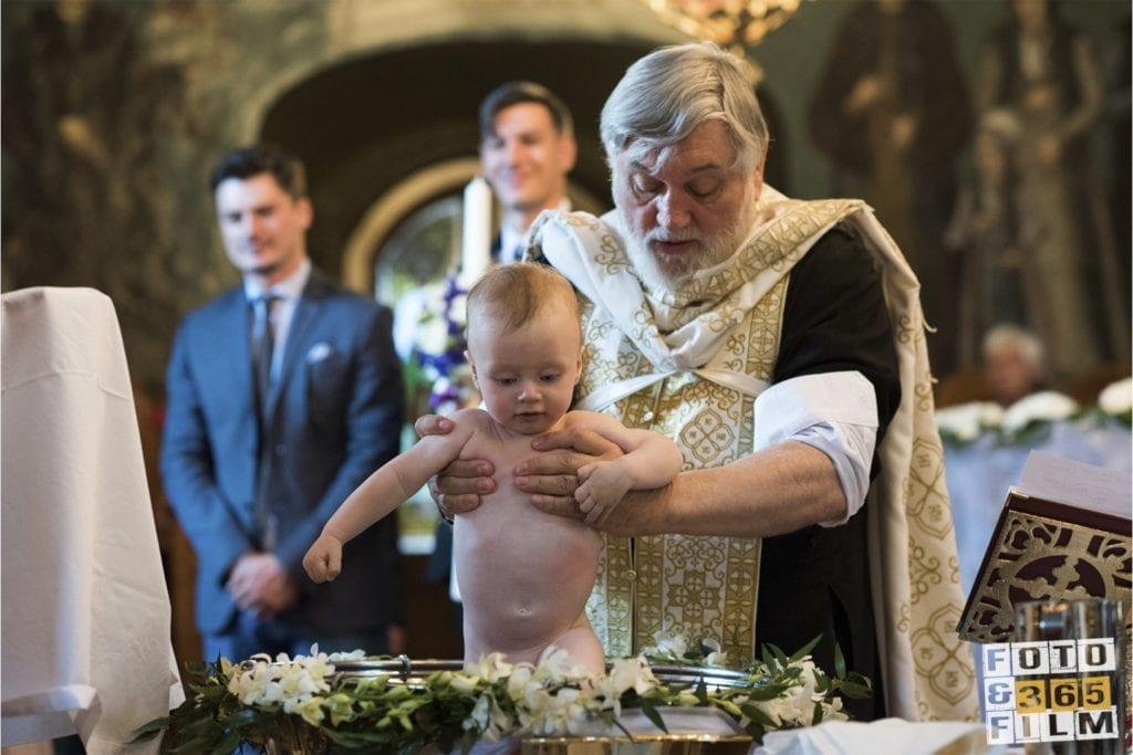 fotografii-de-botez-fotograf-de-botez-bucuresti